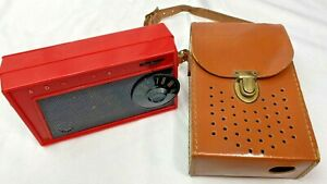Vintage 1950s Red Admiral Model 582 Transistor Radio with Case Non Working