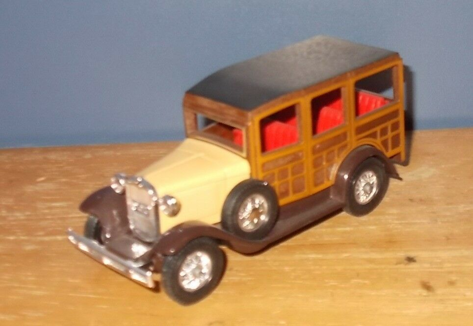 Matchbox Yesteryear Y21 Ford Woody Wagon Preproduction Incomplete base Red Seats