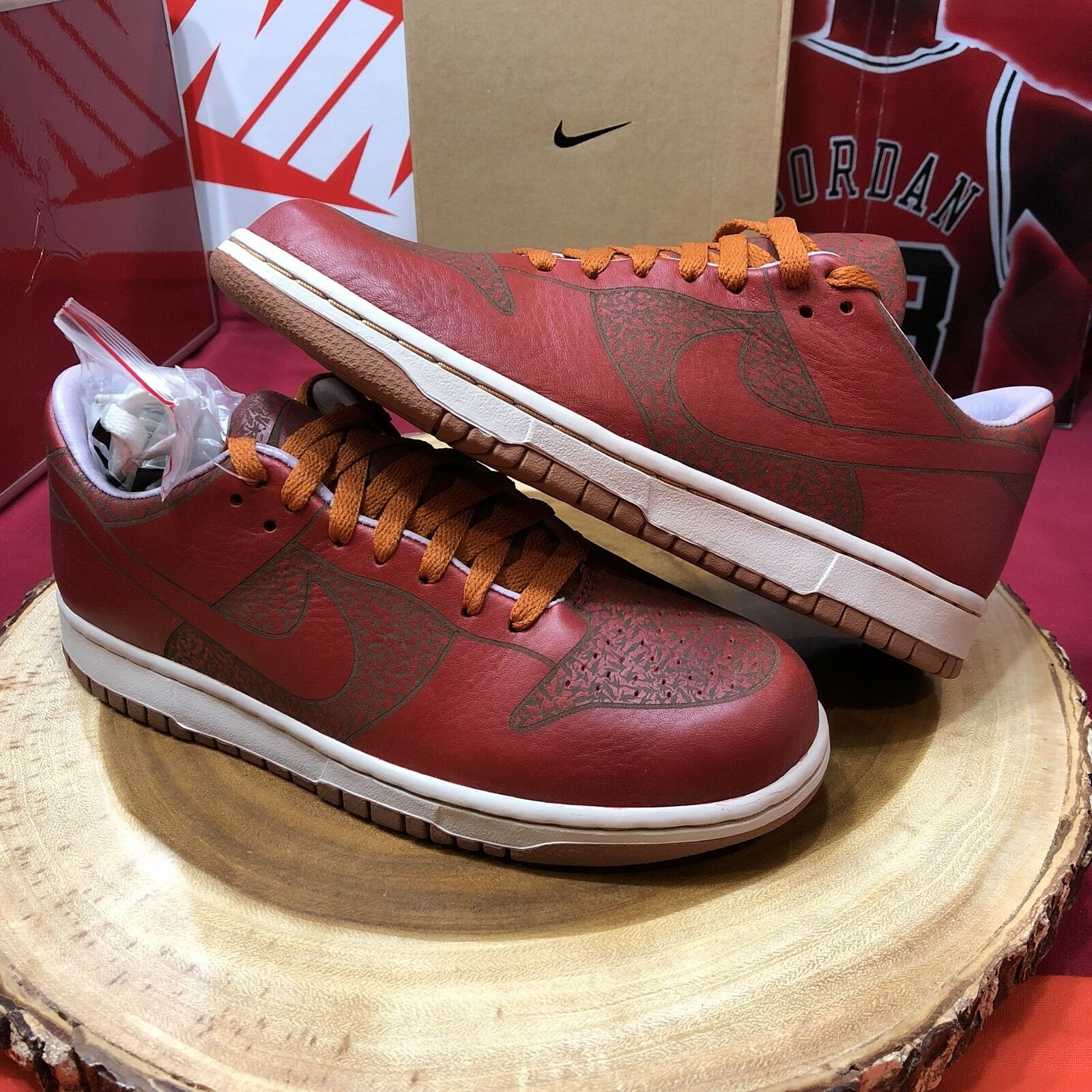2018 NIKE DUNK LOW 1 PIECE LASER ONE IK RED TITAN Desert Sole Collector Comfortable Cheap and beautiful fashion