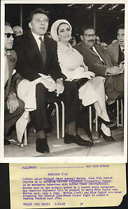 richard-burton-and-elizabeth-taylor-at-the-cassius-clay-amp-henry-cooper-fight