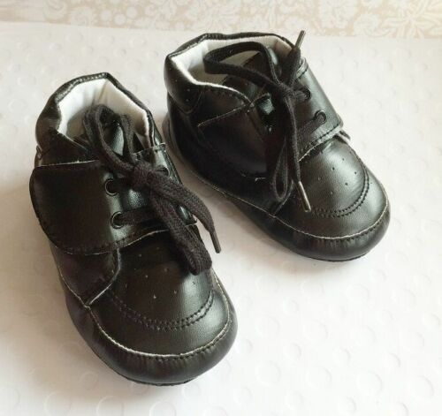 NEW Baby Boys Black Sneakers Shoes 6-12 months size 4