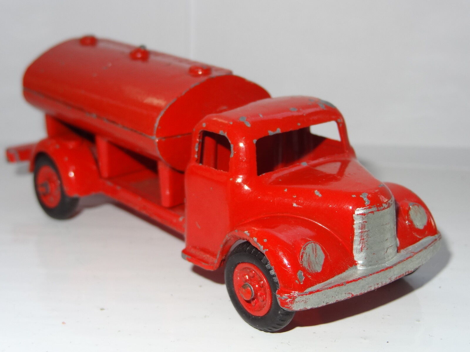 EARLY BENBROS -  DCMT FUEL TANKER