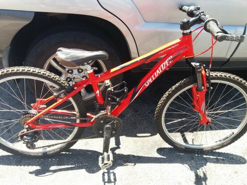 SOLD SOLD SOLD Specialized 24 inch bike. Bargain R3300. Sells R6700 new. Ages 6 to 14. Unisex.