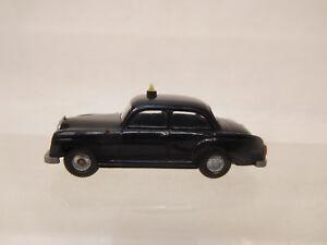 Mes-62139-ALT-Wiking-1-87-mercedes-taxi-con-signos-de-desgaste-minimos