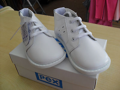 baby boys white leather walking boot by pex brand new with box size 2
