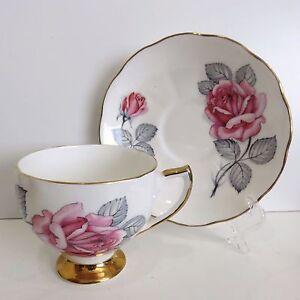 Royal Vale Bone China Teacup & Saucer, Gold Tone Trim, England