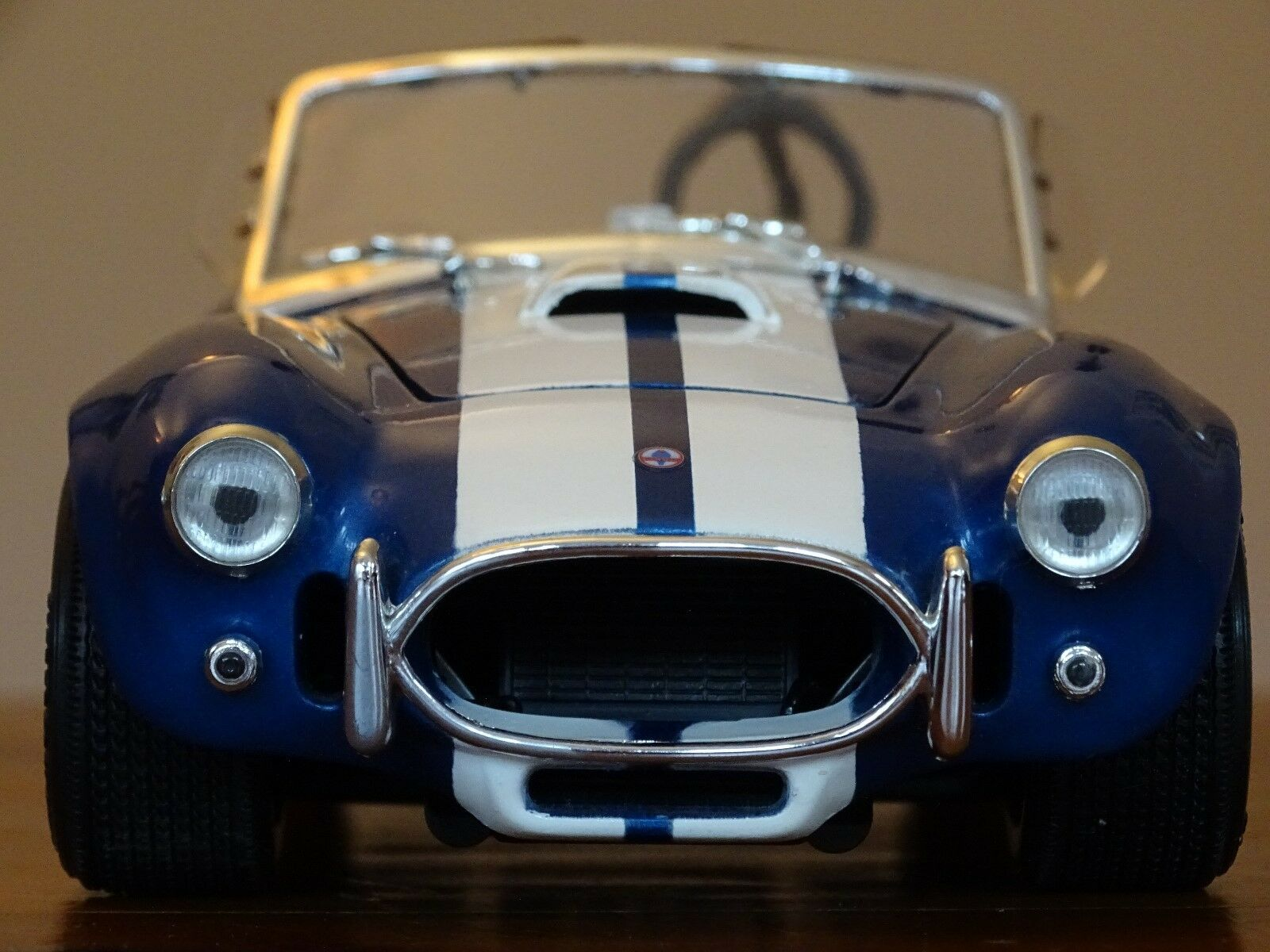 1 18 AC Shelby Cobra 427 S C 7.0 L 4-Barrell HOLLEY carbs bleu RARE ERTL 65