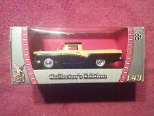 1957 FORD RANCHERO ORANGE /& WHITE 1//43 DIECAST MODEL CAR BY ROAD SIGNATURE 94215