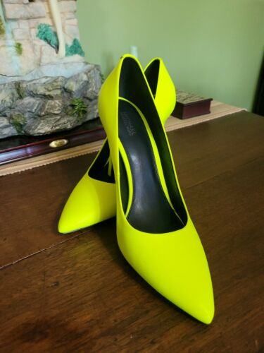 MICHAEL KORS CLAIRE PUMP LEATHER NEON YELLOW 8.5 P