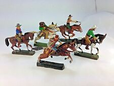 VINTAGE  ELASTOLIN GERMANY - FIVE MOUNTED HORSE COWBOY RAID  PARTY FIGURINES