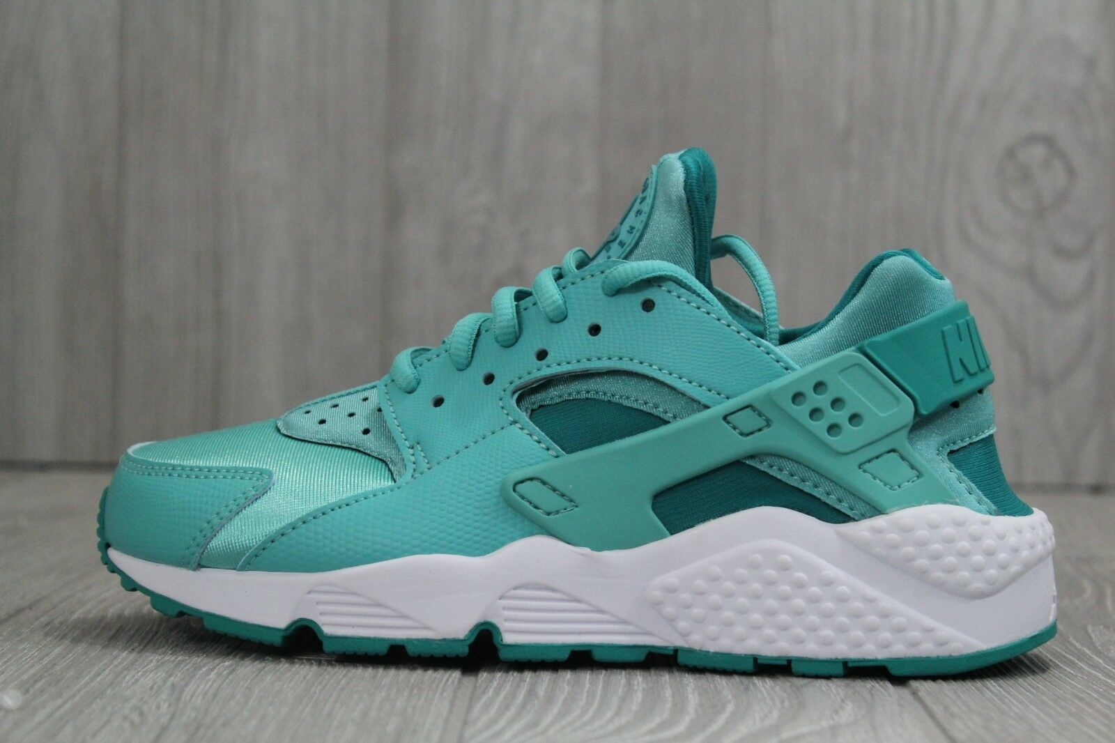 Nike Womens Air Huarache Run 634835-302 Washed Teal Rio/White Shoes Sz 6.5 best-selling model of the brand