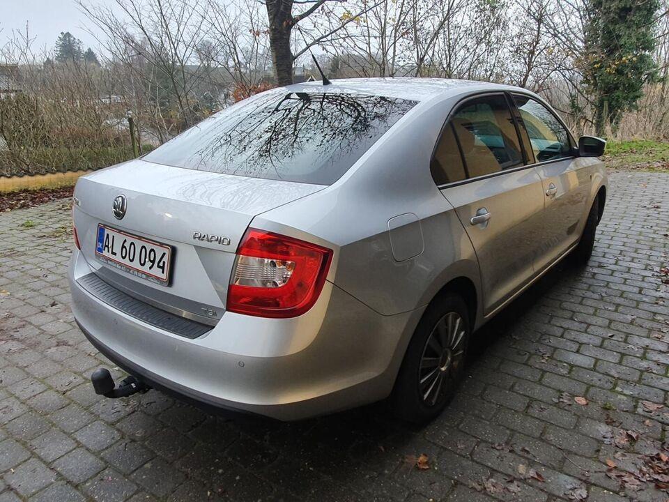 Skoda Rapid 1,2 TSi 86 Active GreenTec Benzin modelår 2013