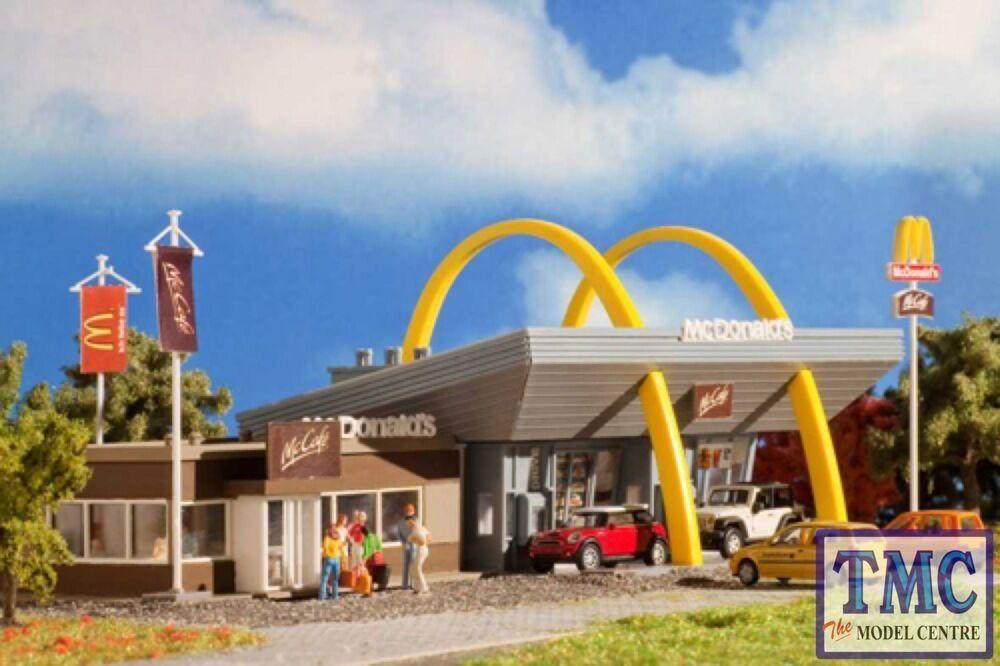 VO43635 OO HO Gauge Vollmer McDonalds & McCafe