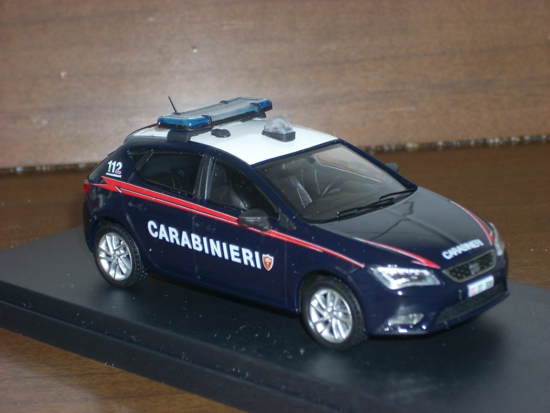 CARABINIERI  POLICE Seat Leon Radiomobile scala 1 43