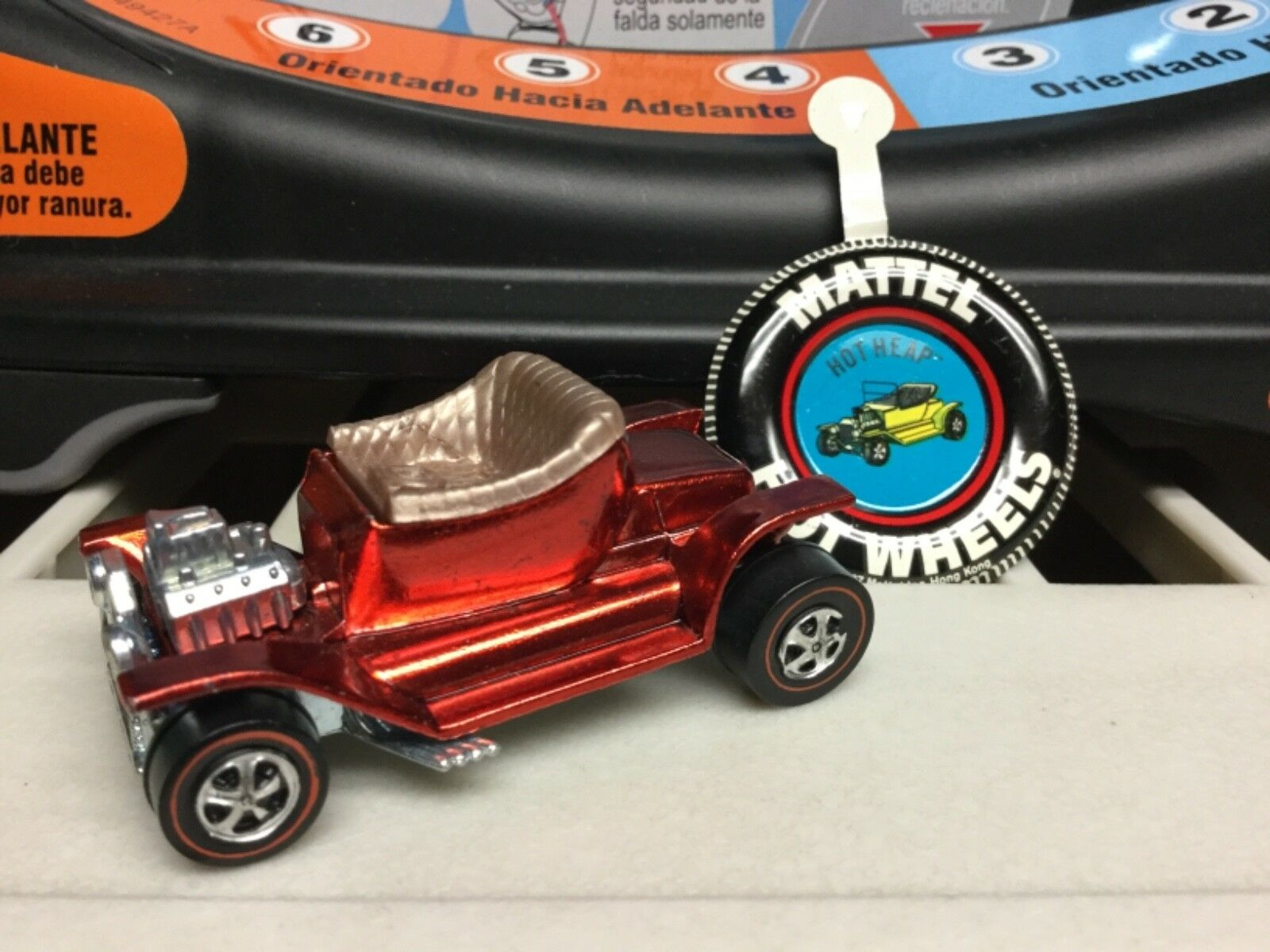 Vintage Hot Wheels Redline 1968 Hot heap red with button MISSING WIND SHIELD REA