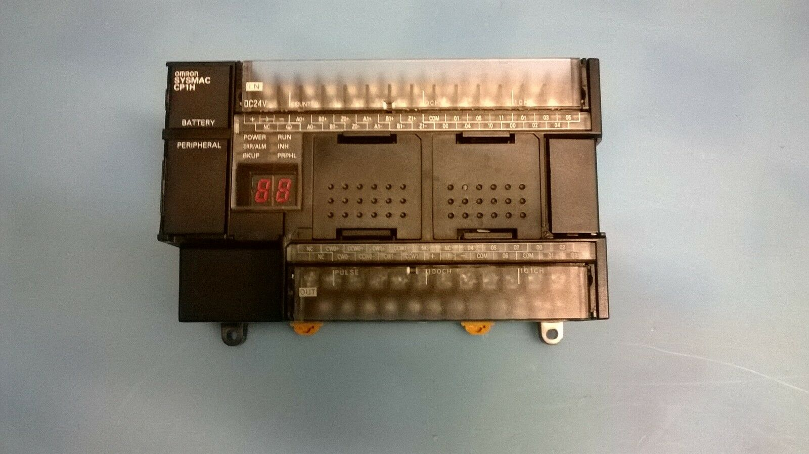 PLC OMRON CPH-X40DT1-D COME NUOVO