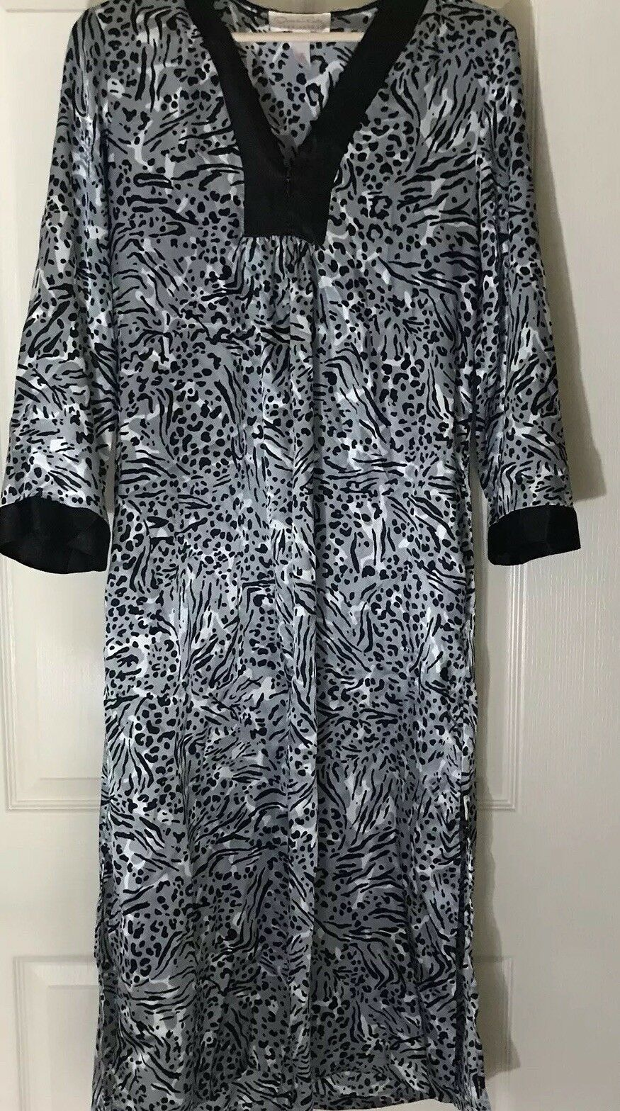 Oscar De La Renta Pink Label Animal Print Nightgown Size Small
