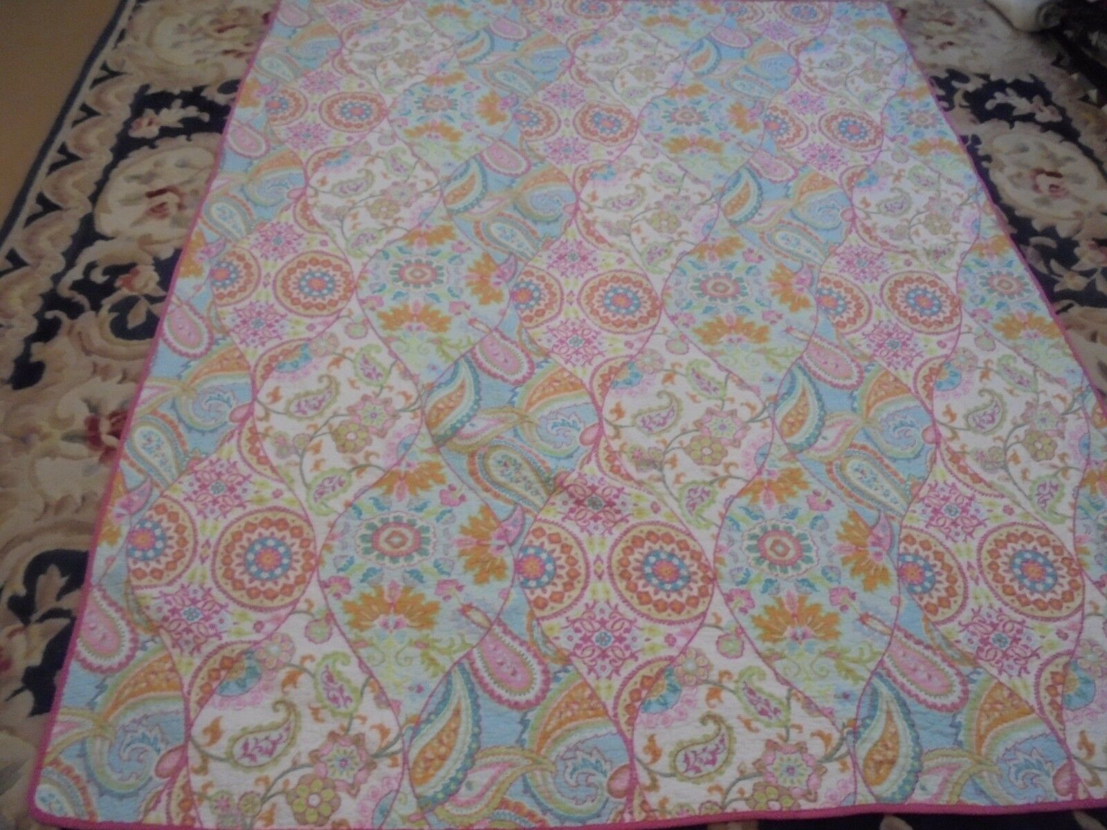 Nice Bright Multi-color Abstract Pattern Quilt