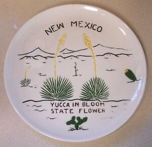"""Vintage Unique Souvenir wall plate New Mexico Yucca in Bloom State Flower 9"""""""