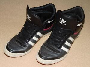 2 Paar Adidas Schuhe sleek Series schwarz silber Gr.38 37 in