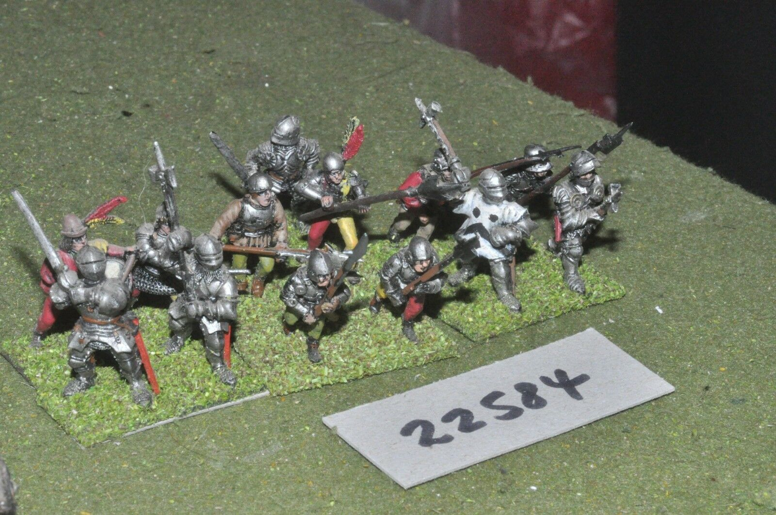 25mm Medieval   english - men at amrs 13 figures - inf (22584)
