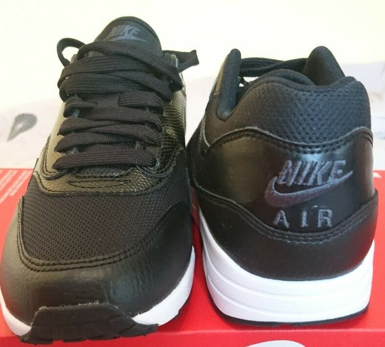 f8341ef74557 ... Nike W Air Max 1 Ultra 2.0 Black and and and White Bnib Ladies Trainers  881104 ...