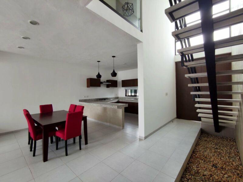 Townhouse amueblado en Renta de 2 recamaras en Residencial Colonia Mexico Norte en Merida Yucatan