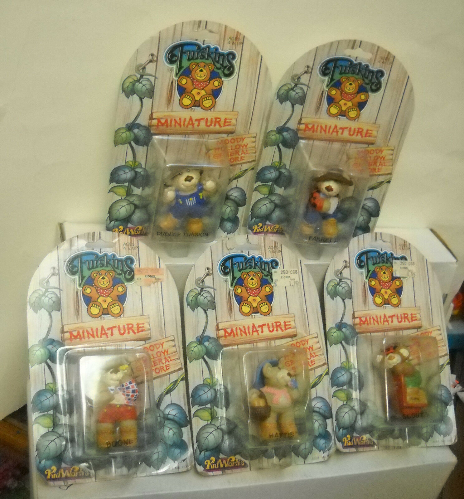 7726 NRFC Vintage Kidworks 5 Furskins Miniature Bear Collectibles