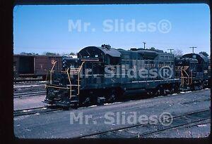 Original-Slide-WM-Western-Maryland-Black-Gold-Chop-Nose-GP9m-31-in-1976-At-York