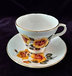 Vintage CROWN TRENT STAFFORDSHIRE TEACUP & SAUCER Fine Bone China Footed Cup