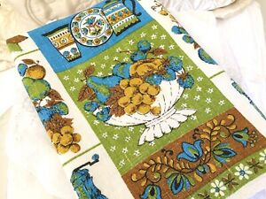 Vintage-70-039-s-Dish-Towel-Fruit-Pepper-Grinder-Blue-Green-Brown-Flowers-Butterfly
