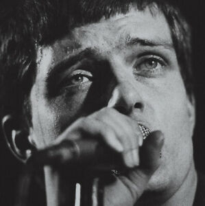 Joy-Division-Live-at-Town-Hall-High-Wycombe-20th-February-1980-VINYL-12-034