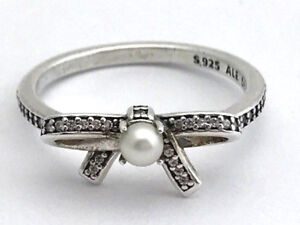 anello con croce pandora