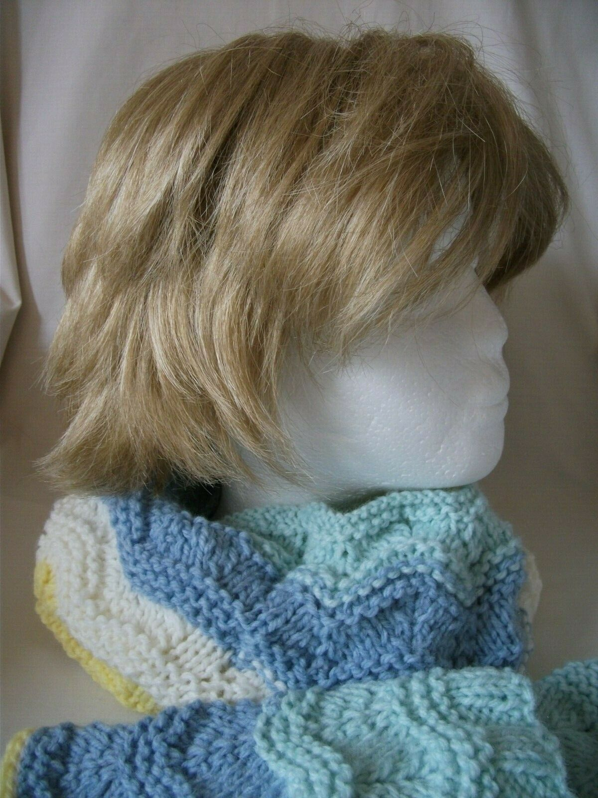 Hand Knitted Cowl & Wrist Warmers – Ref 2789