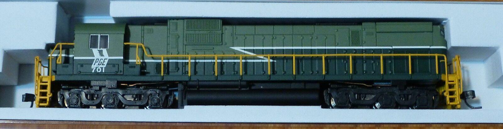 Atlas N  40001980 Pacific Great Eastern (RD  701) C-630 DC Locomotora ()