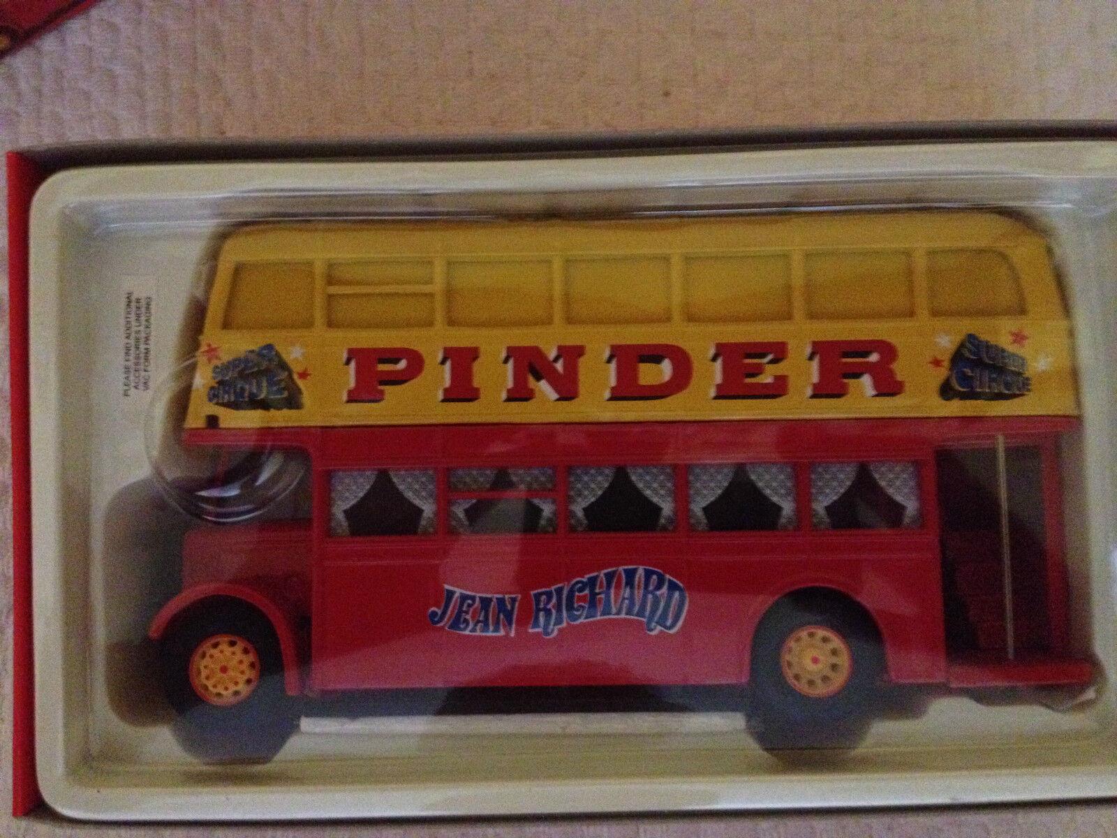Corgi 35202 Pinder Jean Richard Circus - Daimler Bus - Near Mint - 1998