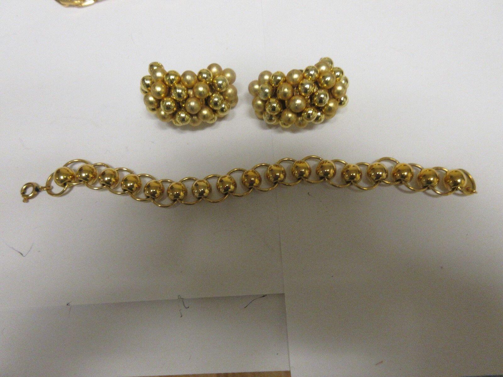 Costume Jewelry ,Vintage , Bracelet ( 7 )  & Earrings ( 1 3 4  X 1 2 )