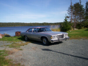Antique 76 Pontiac Parissinne Brougham