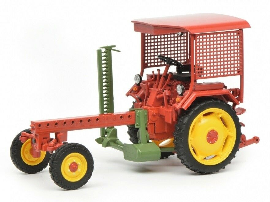 SCH7829 - Tracteur FORTSCHRITT RS09 GT124 équipé d'une barre de fauche  - 1 32