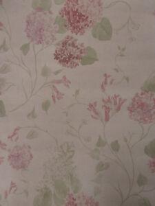 Papier Peint Lutece Couleur Blanc Cassé Avec Fleur Taille 1005m X