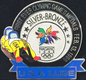 NAGANO-1998-Winter-Olympic-Games-USA-TEAM-LUGE-1ST-EVER-SILVER-BRONZE-PIN-in-BOX