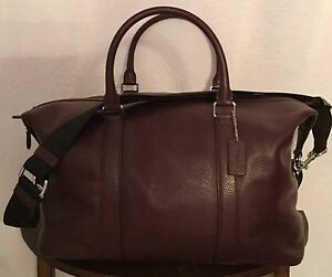 COACH Voyager Men s Pebble Leather Duffle Gym Travel Bag Oxblood ... 039544babfe30