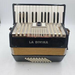 Vintage Hohner La Divina 48 Bass Accordion Used Good Condition (R4)