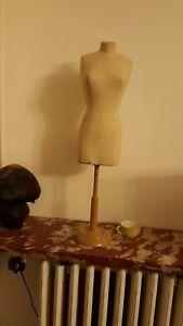 Mannequin-buste-couture-vintage-signe-SIEGEL-STOCKMAN-vitrine-meuble-de-metier