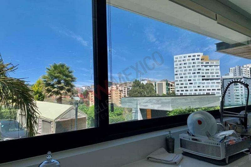 Casa Moderna en venta 900m2 en el corazon de Interlomas 7 recamaras en Fracionamiento P...