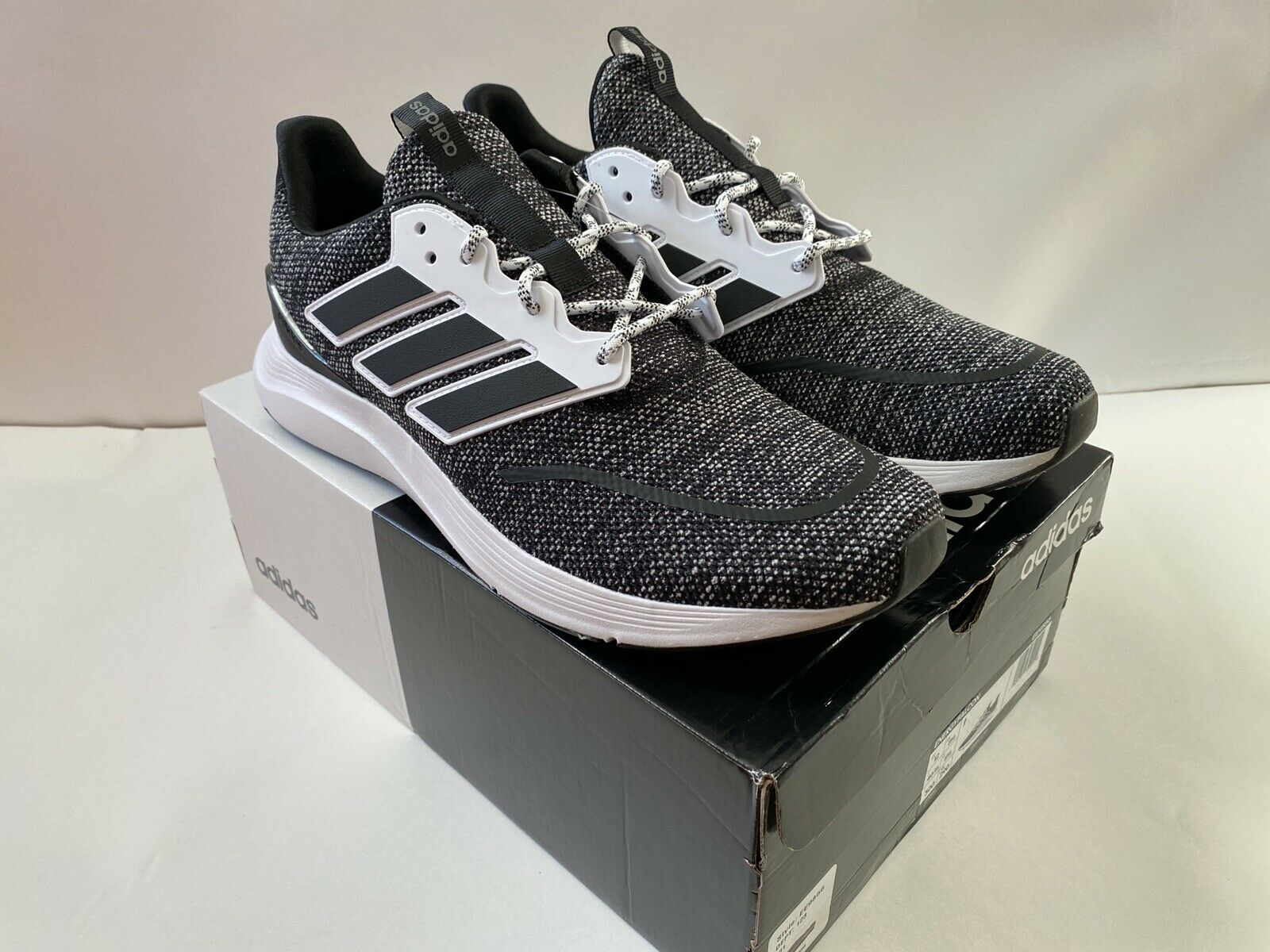 MENS ADIDAS ENERGY FALCON SZ 11 Running Shoes NIB, Black