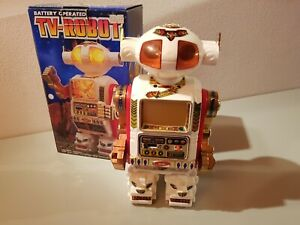 Tin-Toy-1970-80-039-s-battery-operated-TV-ROBOT-Made-in-Taiwan-mint-in-original-box