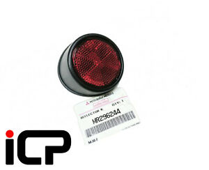 L200 2006-2016 Red Rear Reflector Pair Left /& Right