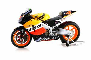 1 12 Honda RC211V Barros MotoGP 2004 1 12 • Minichamps 122041004