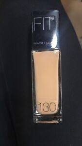 Maybelline-Fit-Me-Fond-de-Teint-130-buff-beige